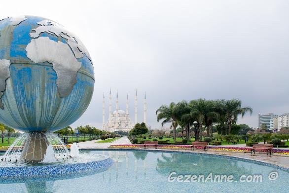 Merkez Parktan Sabancı camine doğru görünüm, Adana