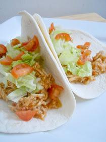 crock pot shredded chicken tacos (sweetandsavoryfood.com)