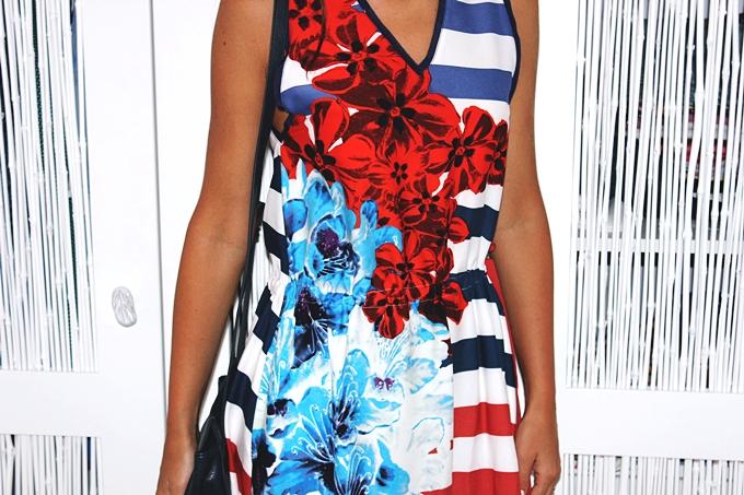 DESIGUAL striped dress.Best sailor dress.Stripes + florals.Best holiday looks.Desigual haljina.White chunky heels.