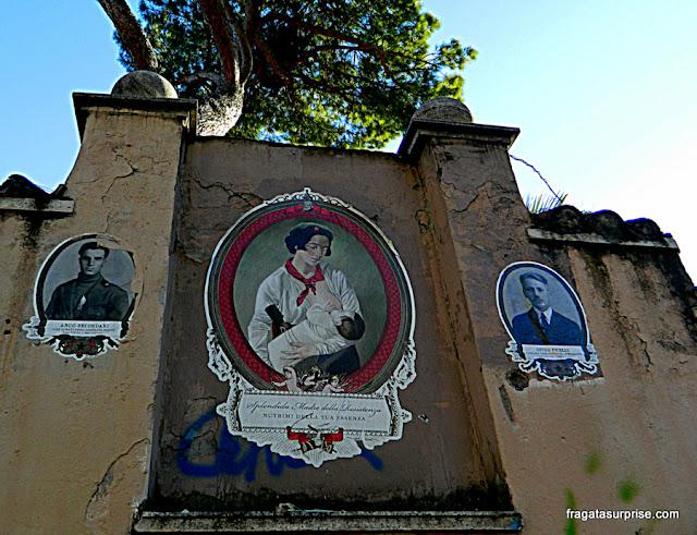 Homenagem às vítimas do fascismo em um muro da Via Ostiense, em Roma