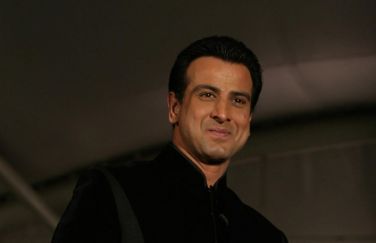 Ronit Roy Complete biography, Age, Tv Serials, Wallpapers, wiki profile