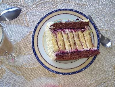 kubuś puchatek, moja słodka pasja, opłatek na torcie, SlodkaPasjaBeaty, tort poprzeczny, tort z rolady, torty Puławy