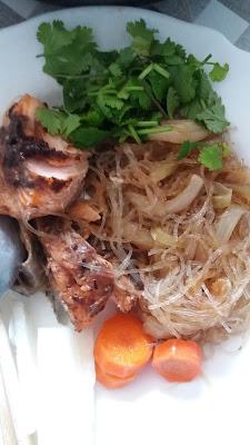 """Pavés de truite sauce soja aux haricots noirs et vermicelles de haricot """"mungo"""" ;Pavés de truite sauce soja aux haricots noirs et vermicelles de haricot """"mungo"""""""