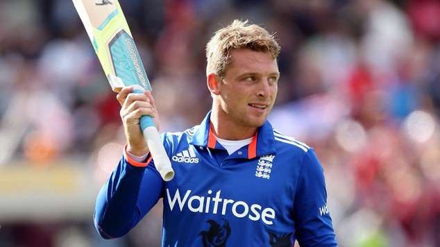 James, Chris Woakes Shine as England Beat Pakistan to Take Lead