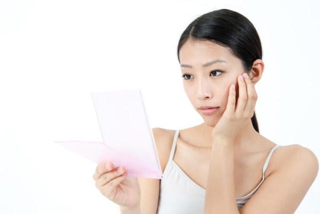 Perbedaan Skincare Dasar dan Skincare Lanjutan, Harus Pakai yang Mana?
