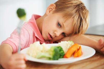 Membuat Suasana Makan Menyenangkan Buat Anak