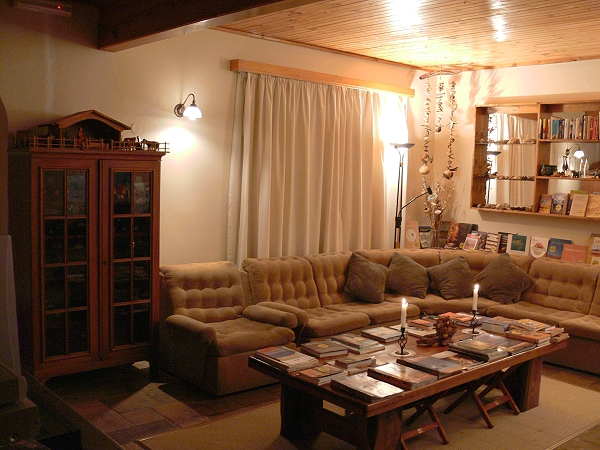 Living Room Decorating Ideas In Nigeria Show Me Designs For A Traditional Tv Lounge Pakistan India ...