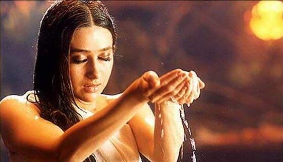 Karishma Kapoor 3  Hot-Celebs-Wallpapers-7542