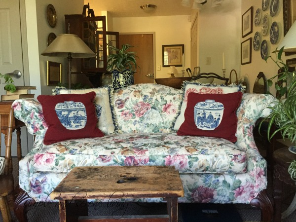 chintz settee English cottage