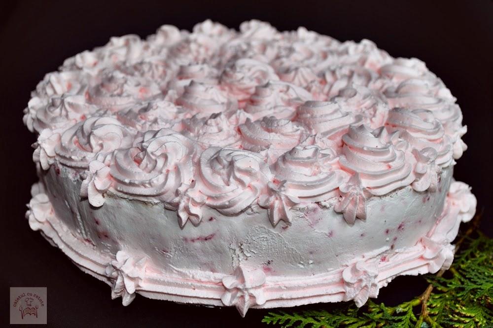 http://www.caietulcuretete.com/2014/05/tort-cu-crema-de-ciocolata-si-sos-de.html