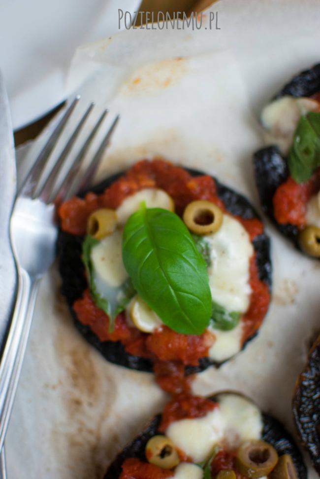 Mini pizze portobello, czyli zapiekane pieczarki