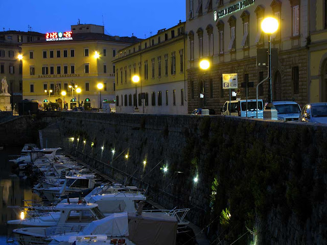 New street lights, scali Saffi, Livorno