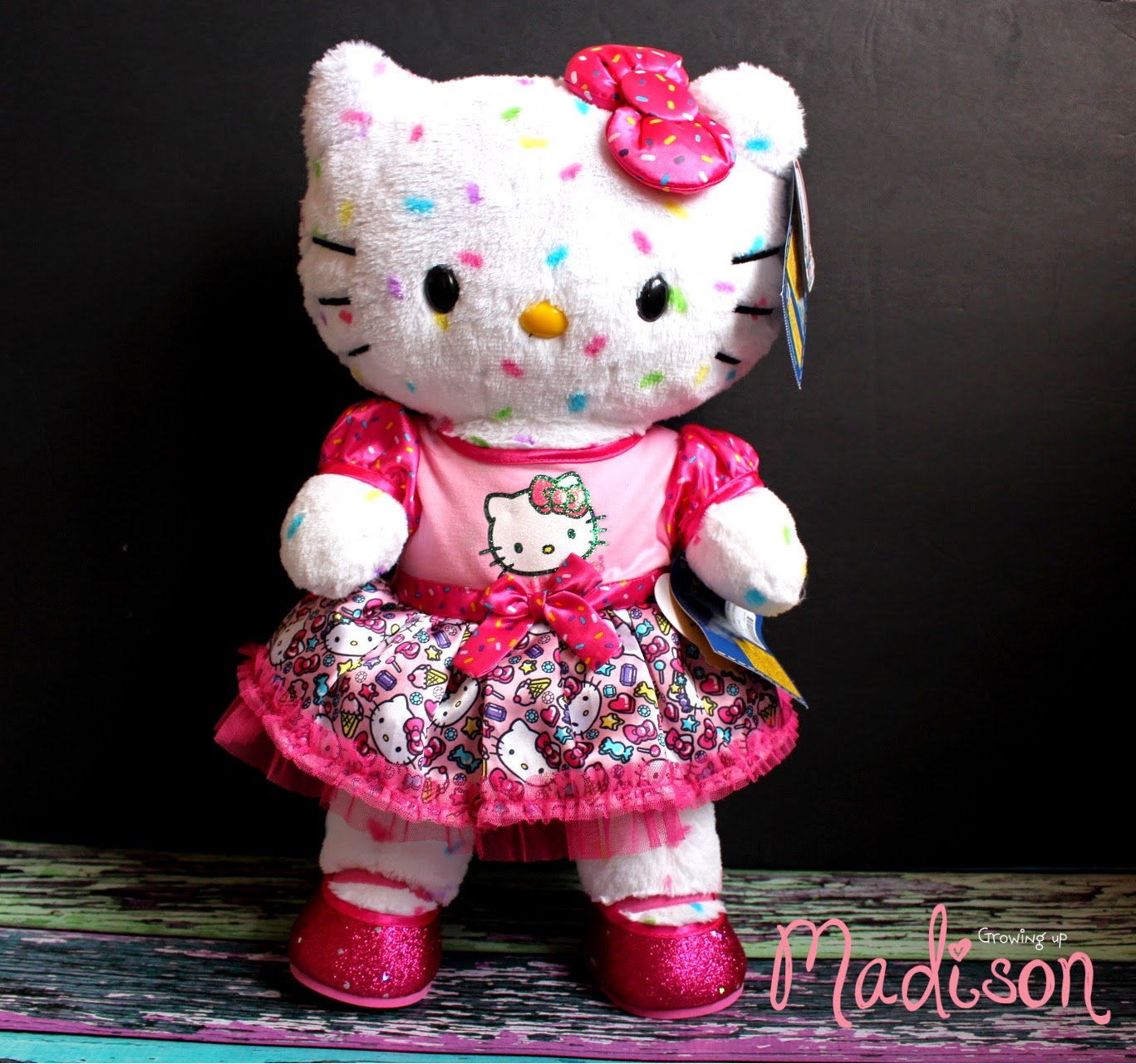 Maries Manor Hello Kitty: Celebrate The 40th Anniversary Of Hello Kitty At Build-A