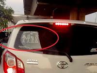 """STOP..!!! Jangan Asal Tempel Stiker """" Ayah, Ibu, Anak """" Di Mobilmu, Ini Bahayanya.!! TOLONG BANTU SEBARKAN"""