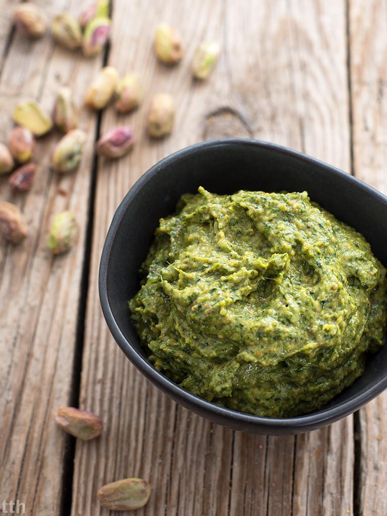 Pesto z kolendry i pistacji przepis weganskie, bezglutenowe roślinna kuchnia blog wegański