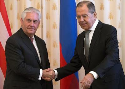 حقيقة الخﻻفات واﻹتفاقيات بين أمريكا وروسيا في لقاء بوتين  وريكس تيلرسون