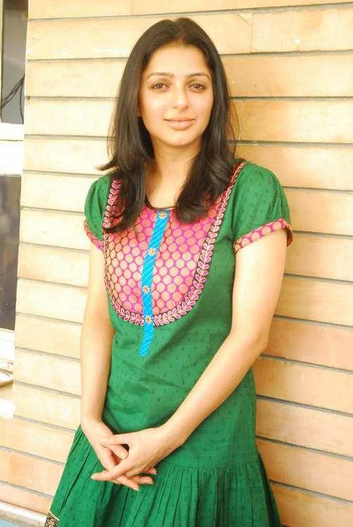bhumika chawla sexy