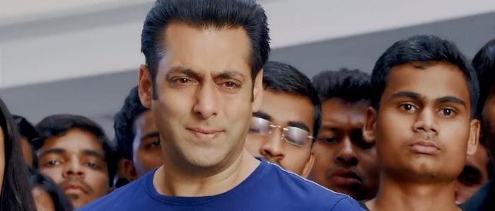 Screen Shot Of Hindi Movie Jai Ho (2014) Download And Watch Online Free at worldfree4u.com