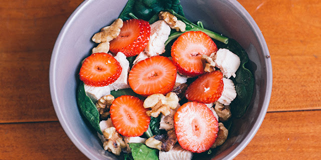 spinach salad, strawberry spinach salad, 21 Day Fix recipes,