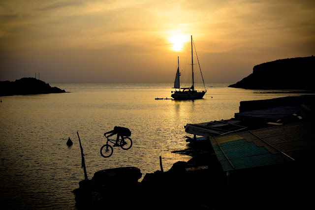 Ibiza, Isla Blanca, Techno, party & bikes