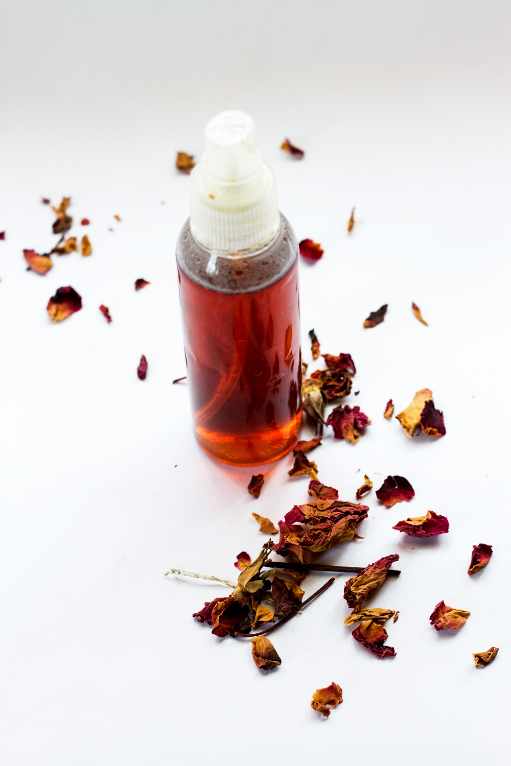 HOW TO MAKE YOUR OUR OWN ROSE WATER SETTING SPRAY & TONER