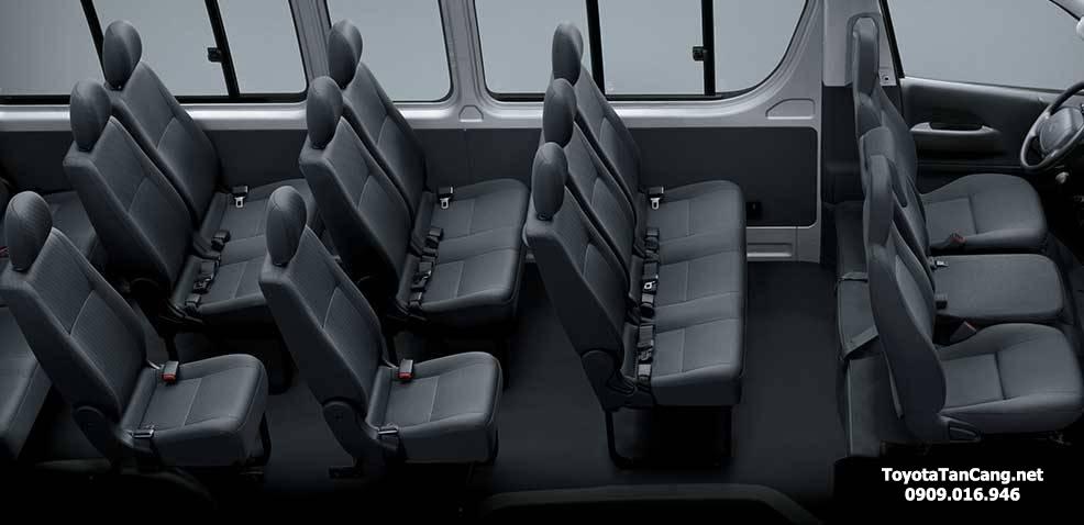 nội thất xe toyota hiace 2015