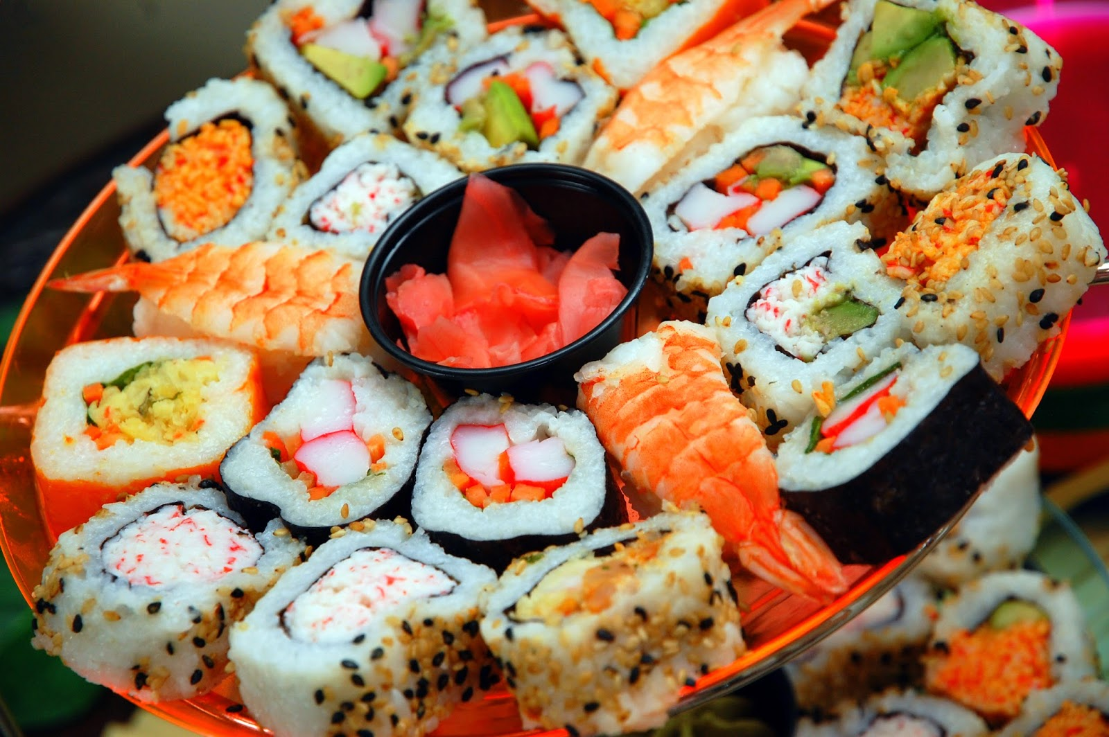 sushi adalah makan khas jepang yang banyak penggemarnya di seluruh dunia masuk 5 besar kategori makanan terenak versi cnn travel