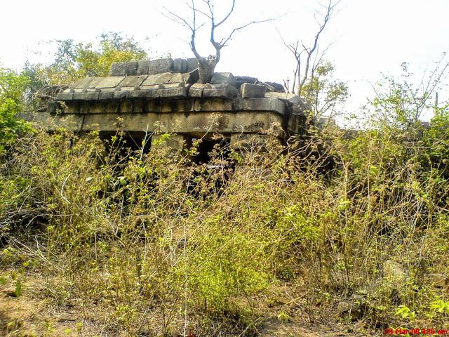 Photo-of-the-Garh-on-top-of-panchet-hill-at-garhpanchkot