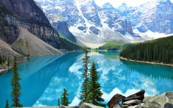 Wallpaper: Moraine Lake
