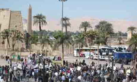Protesters shut down Egyptian tourist sites