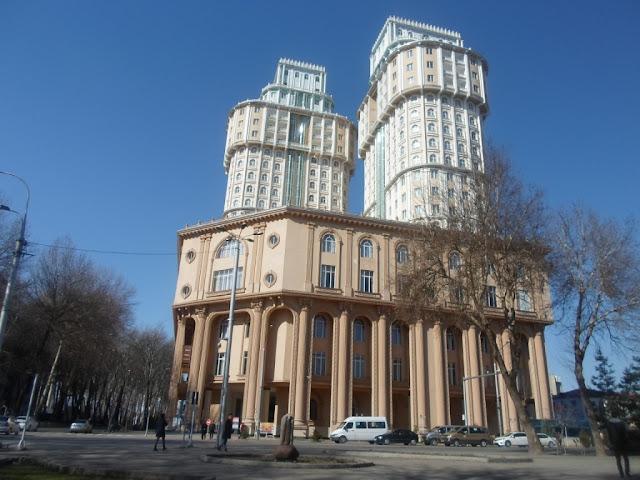 Бизнес центр Плаза. Фото города Душанбе 60-ых годов и фото тех же мест в 2015 году.
