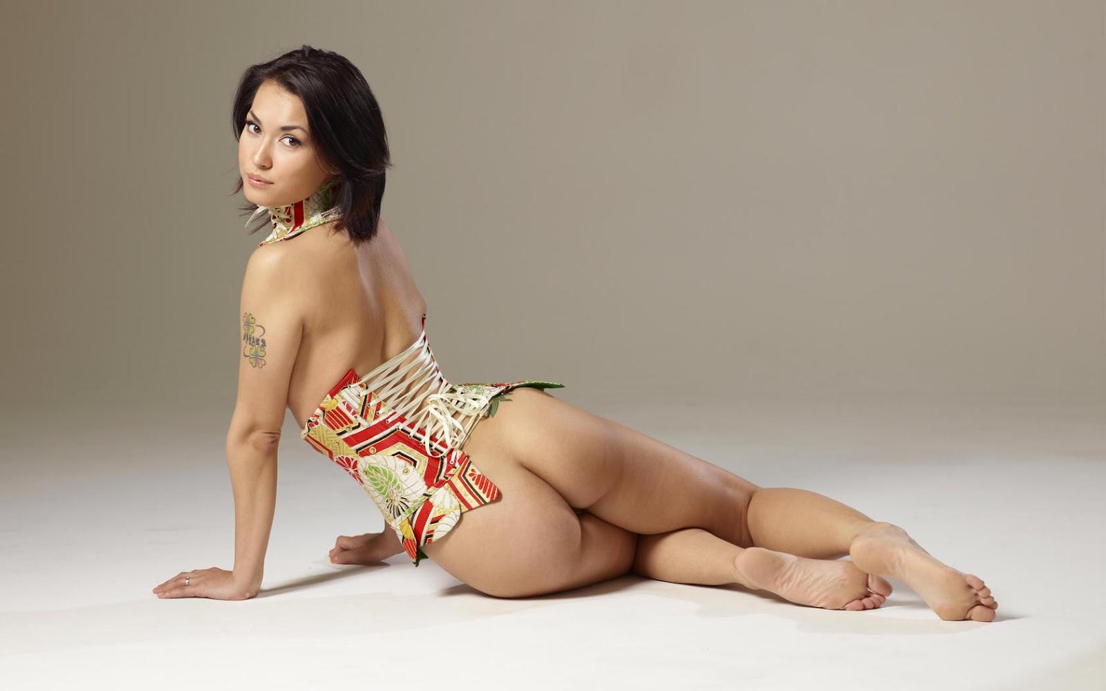 Naked HD: Maria Ozawa