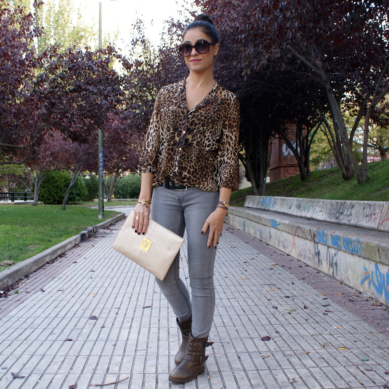 look camisa estampado de leopardo