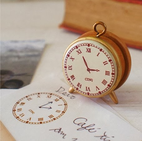clock stamp - cinq