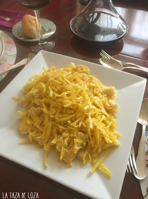 Bacalao-patatas-fritas-huevos-y-cebolla
