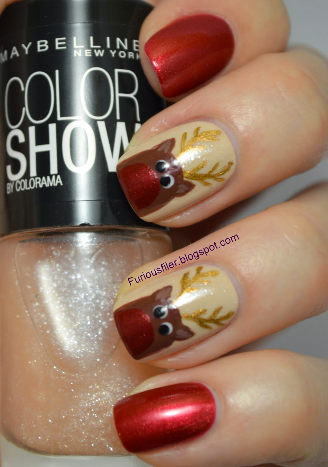 red shimmer rudolf christmas nails art