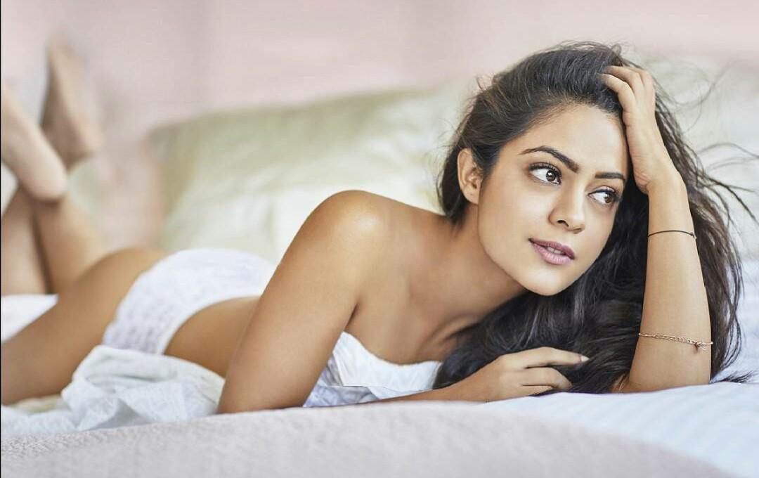 Anya Singh latest hot photos