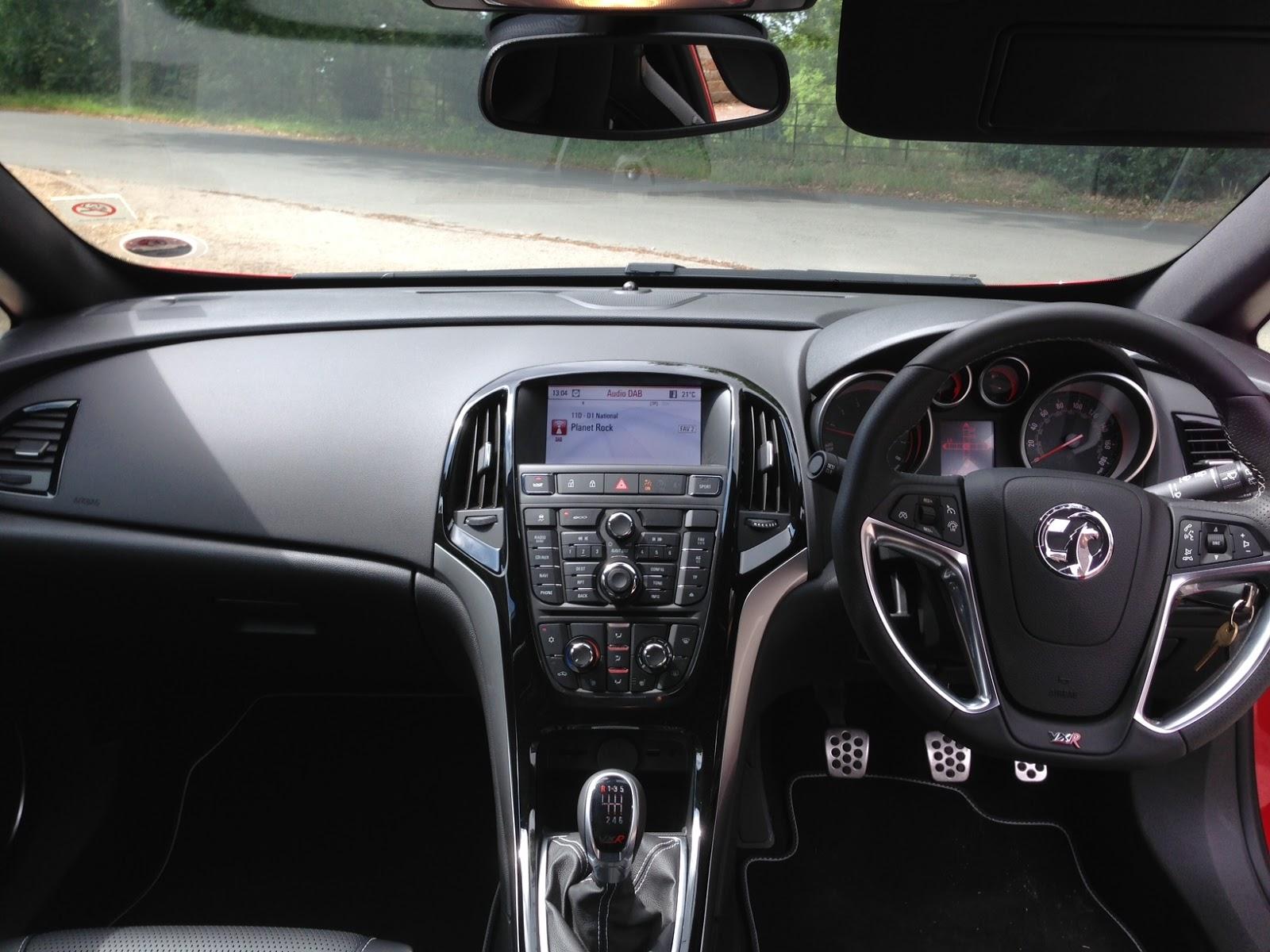 Speedmonkey: Vauxhall Astra VXR - First impressions  Vauxhall Astra Vxr Interior
