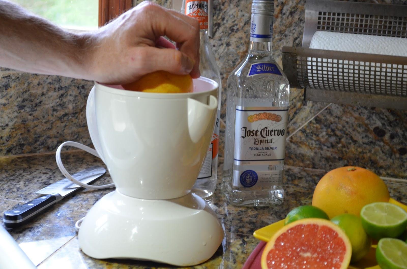 Pink-Grapefruit-Lime-Margaritas-With-Agave-Grapefruit.jpg