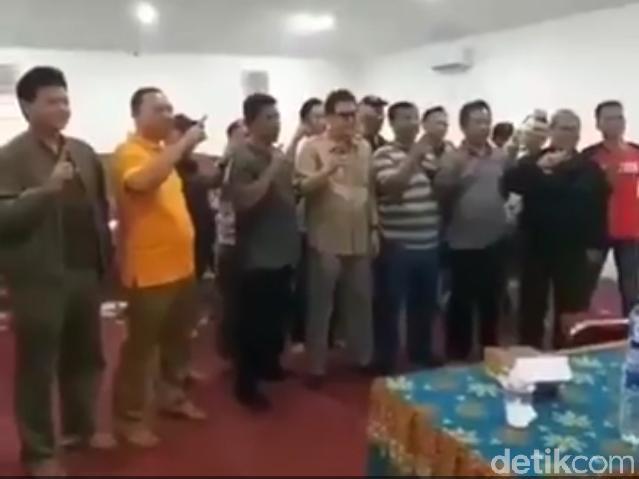 Dukung Jokowi, Kades 2 Kecamatan di Sukabumi Diduga Deklarasi di Hotel