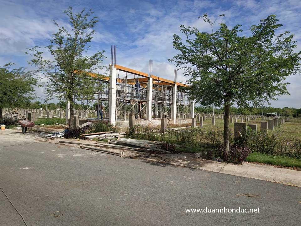 Tiến độ xây nhà phố dãy view rạch Khu dân cư Nhơn Đức