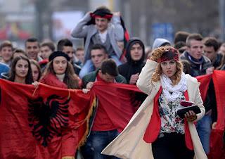Οι «κόκκινες» γραμμές των Αλβανών των Σκοπίων