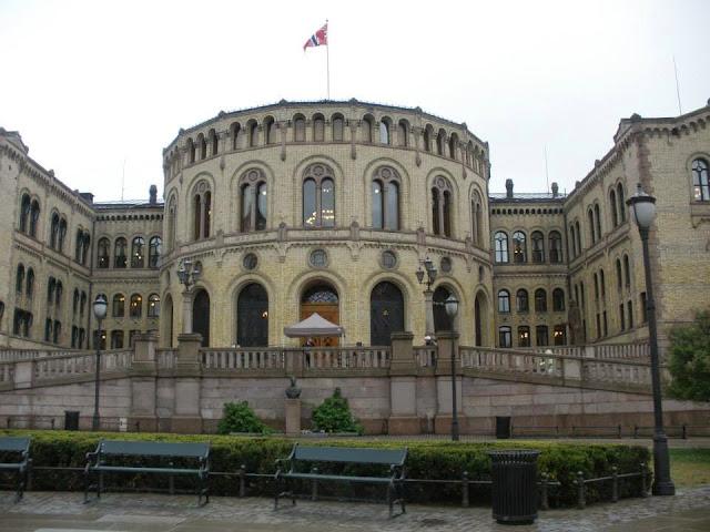 El Parlamento de Oslo (Stortinget)
