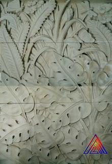 Relief batu alam paras jogja motif bunga / kembang.