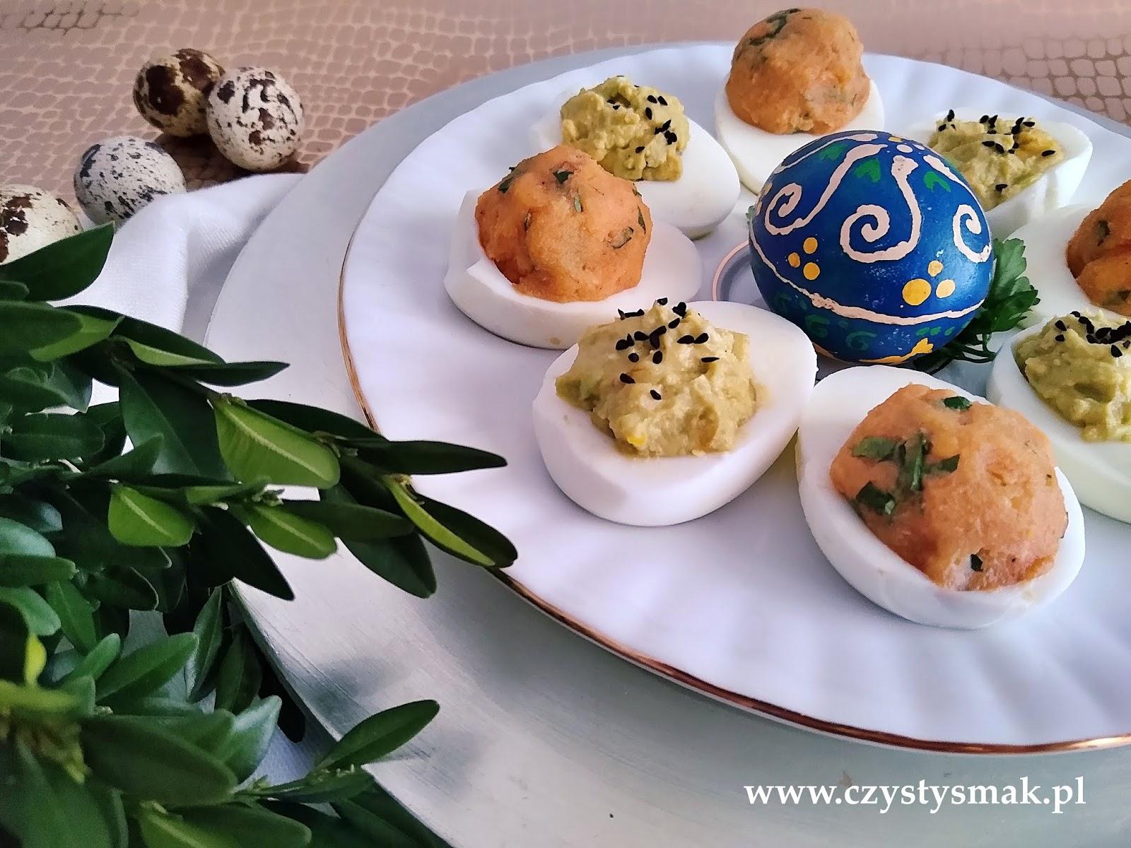 jajka faszerowane awokado i jajka faszerowane soczewicą
