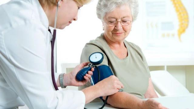 SALUD: El incumplimiento de la medicación para hipertensión puede dar lugar a enfermedades cardiovasculares.