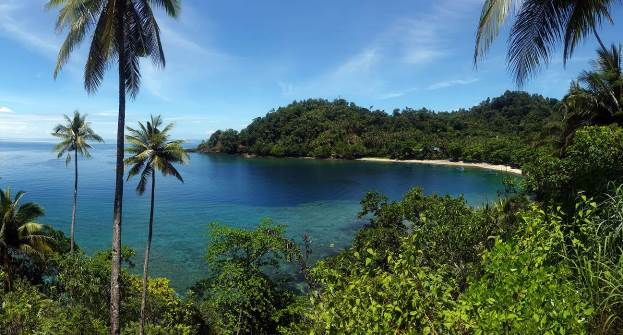 Pantai Desa Hukurila