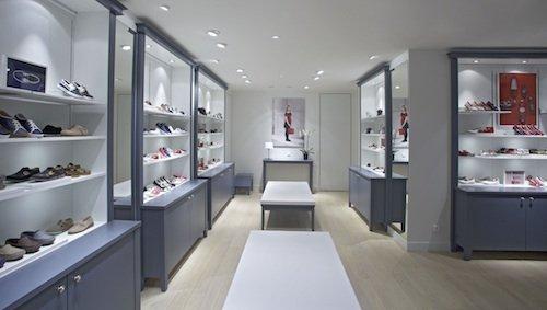 769cacc64ce69a Jacadi ouvre son premier magasin de chaussures.