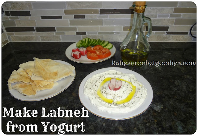 making labneh from yogurt