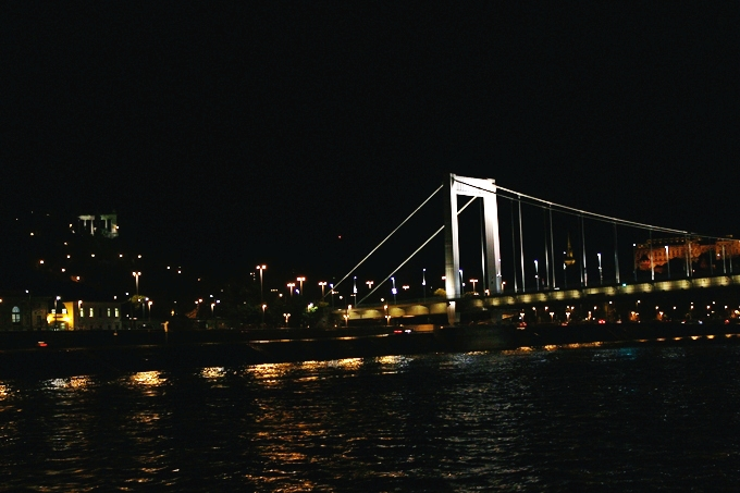 most beautiful Budapest bridges at night